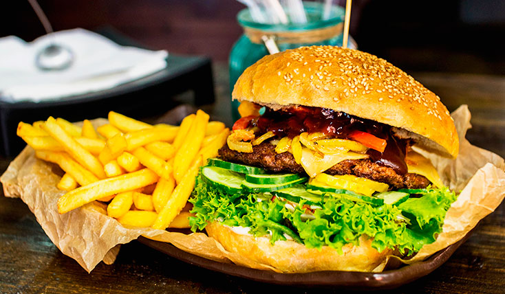 cheesburger-frytki